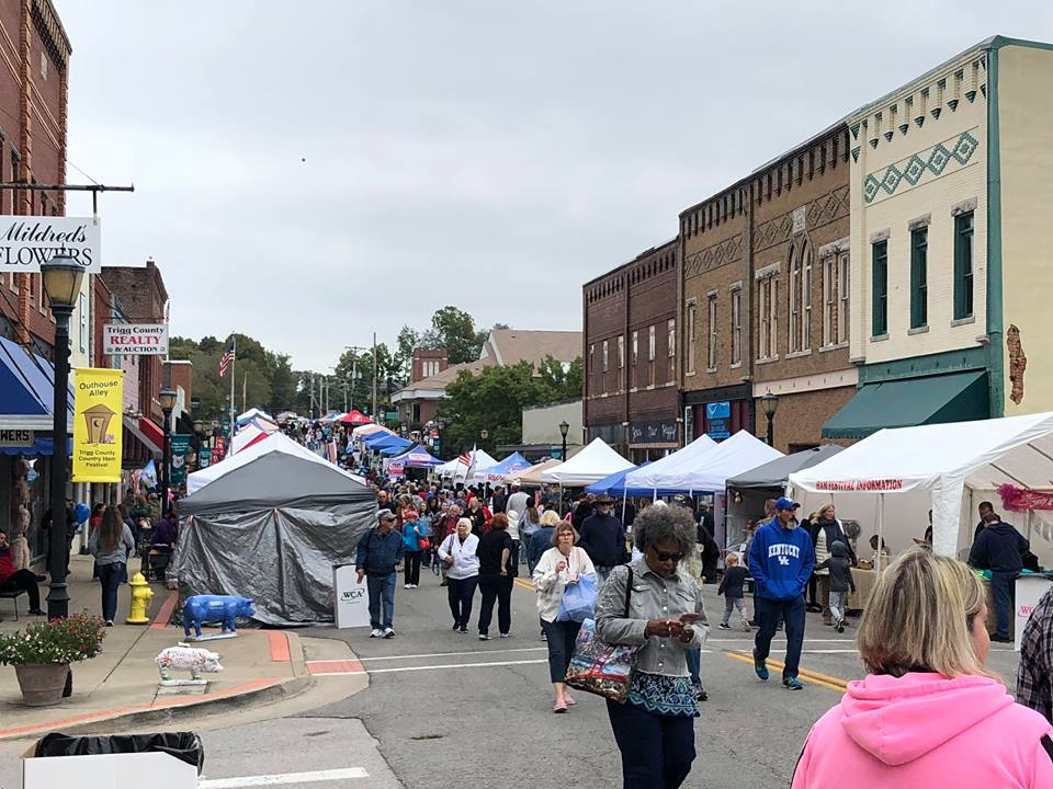 Cool weather, great turnout for Ham Festival