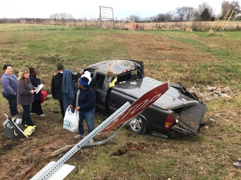 Elkton Police investigate wreck with injuries