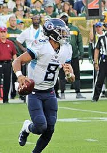 Titans having problems protecting QB Mariota