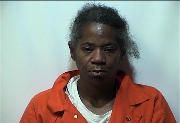 Woman charged with robbery after Piggly Wiggly incident