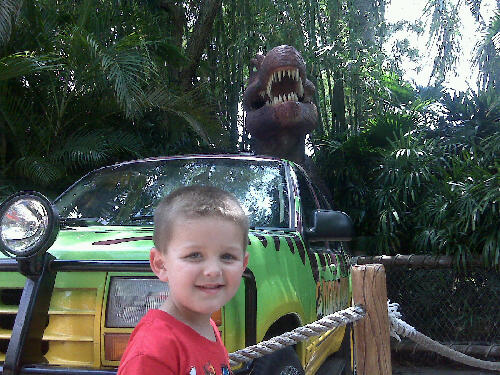 This guy made a DIY Jurassic Park SUV!