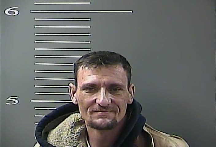 Two Arrested on Drug Charges in Salyersville