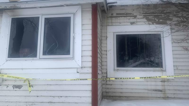 Dog alerts owners of house fire