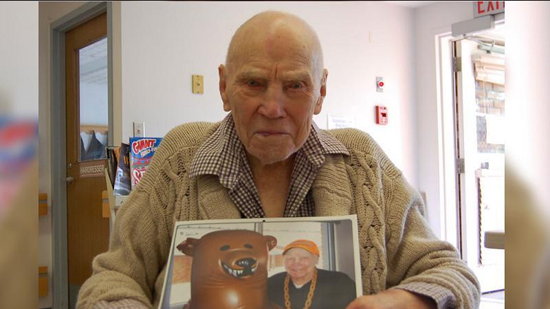 Saskatchewan's oldest man: Red Deer Nursing Home resident Cliff Olson celebrates 109th birthday