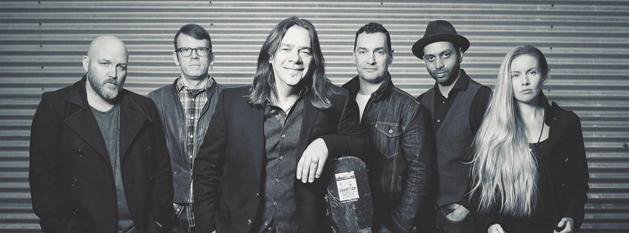 Alan Doyle in Concert