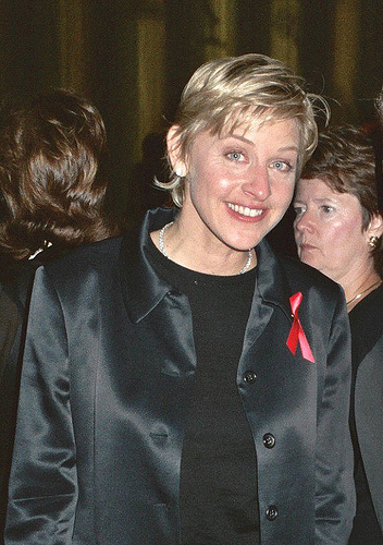 WATCH: Ellen dresses up at a Bachelor contestant!
