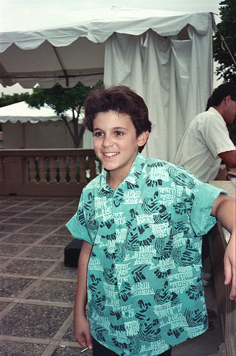 Fred Savage sued for sexual harassment!