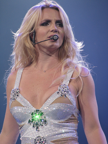 Britney Spears to make BIG announcement! Details here.