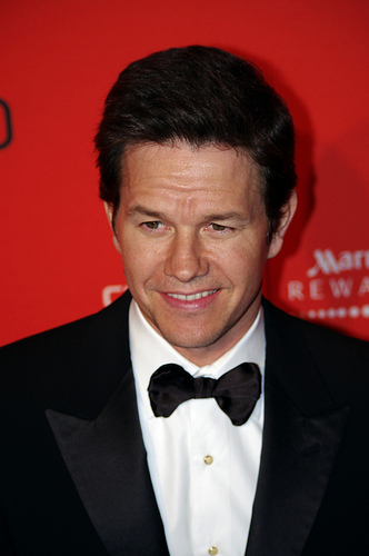 Mark Wahlberg says daughters 'Get Annoyed' with his shirtless pics!