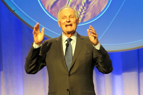 Alan Alda reveals he has Parkinsons disease!