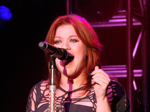 Will Kelly Clarkson be the halftime entertainment for the Super Bowl?