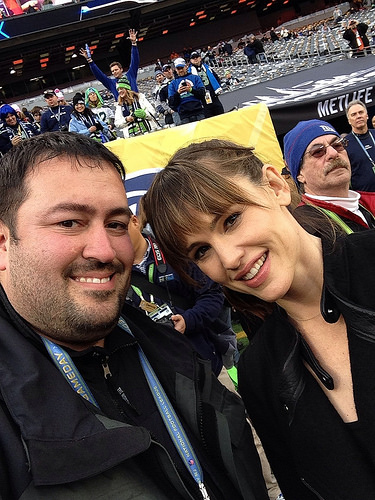 Jennifer Garner is happy & dating again!
