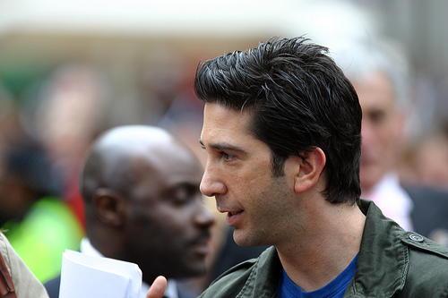 Police search for David Schwimmer lookalike creates social media frenzy!