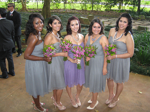 Earn over $100 An Hour Being A Professional Bridesmaid...