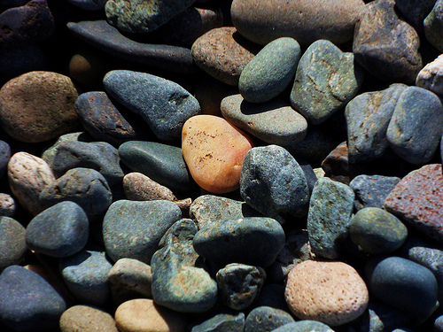 Luke Combs Picks a Nice Rock!