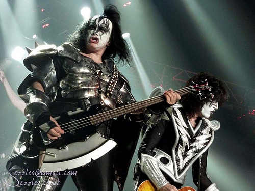 KISS & The Commodores get MASHED UP!