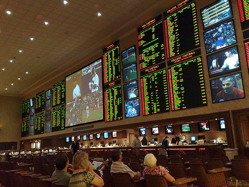A Lucky Gambler Picked the Winner of All 15 NFL Games and Won $84,565 with Just a $5 Bet