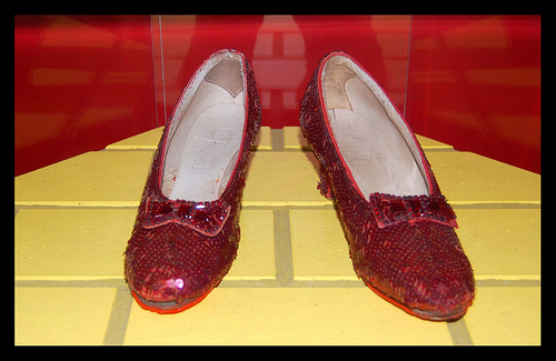 "Stolen Ruby Slippers From ""Wizard of Oz"" Have Been Found!"