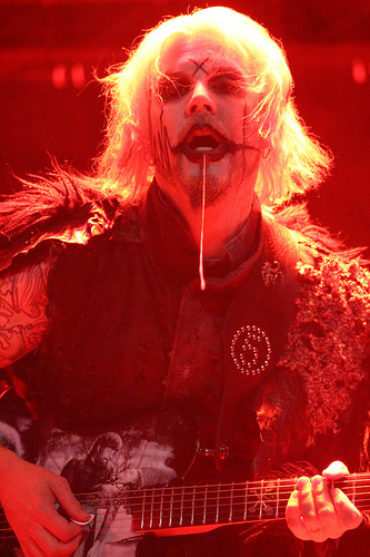 John 5 is a Ridiculous Guitar Player