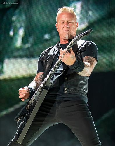 "Metallica: James' New Guitar from the ""Garage Days"""