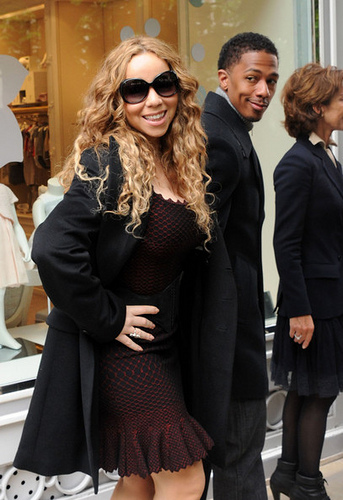 Mariah Carey's Former Manager Plans to File Lawsuit.