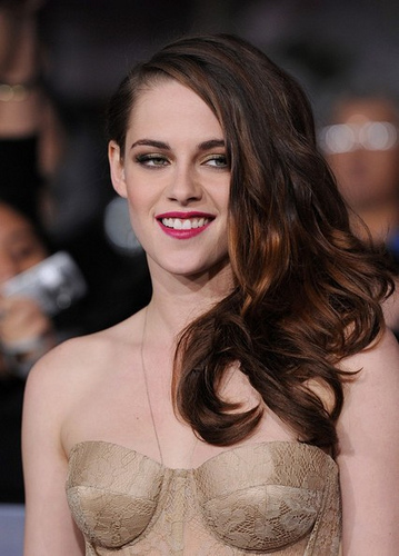 Kristen Stewart Ditches Her Heels and Rebels Against Cannes Dress Code.