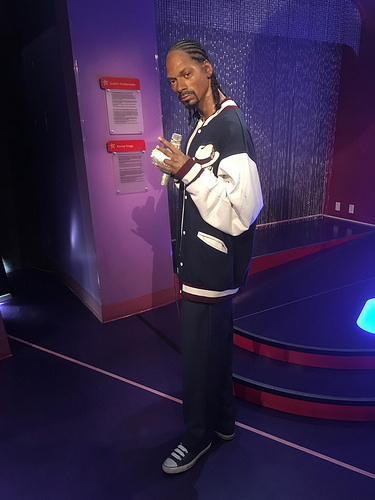 Snoop Dogg To Receive Hollywood Walk Of Fame Star
