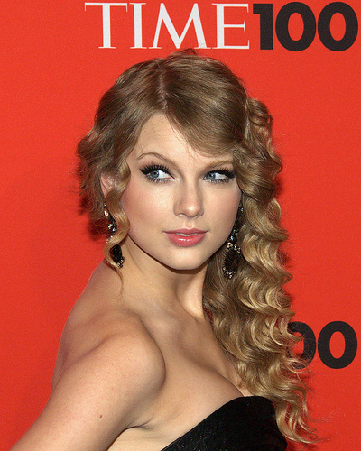 Sugarland Teams Up with Taylor Swift