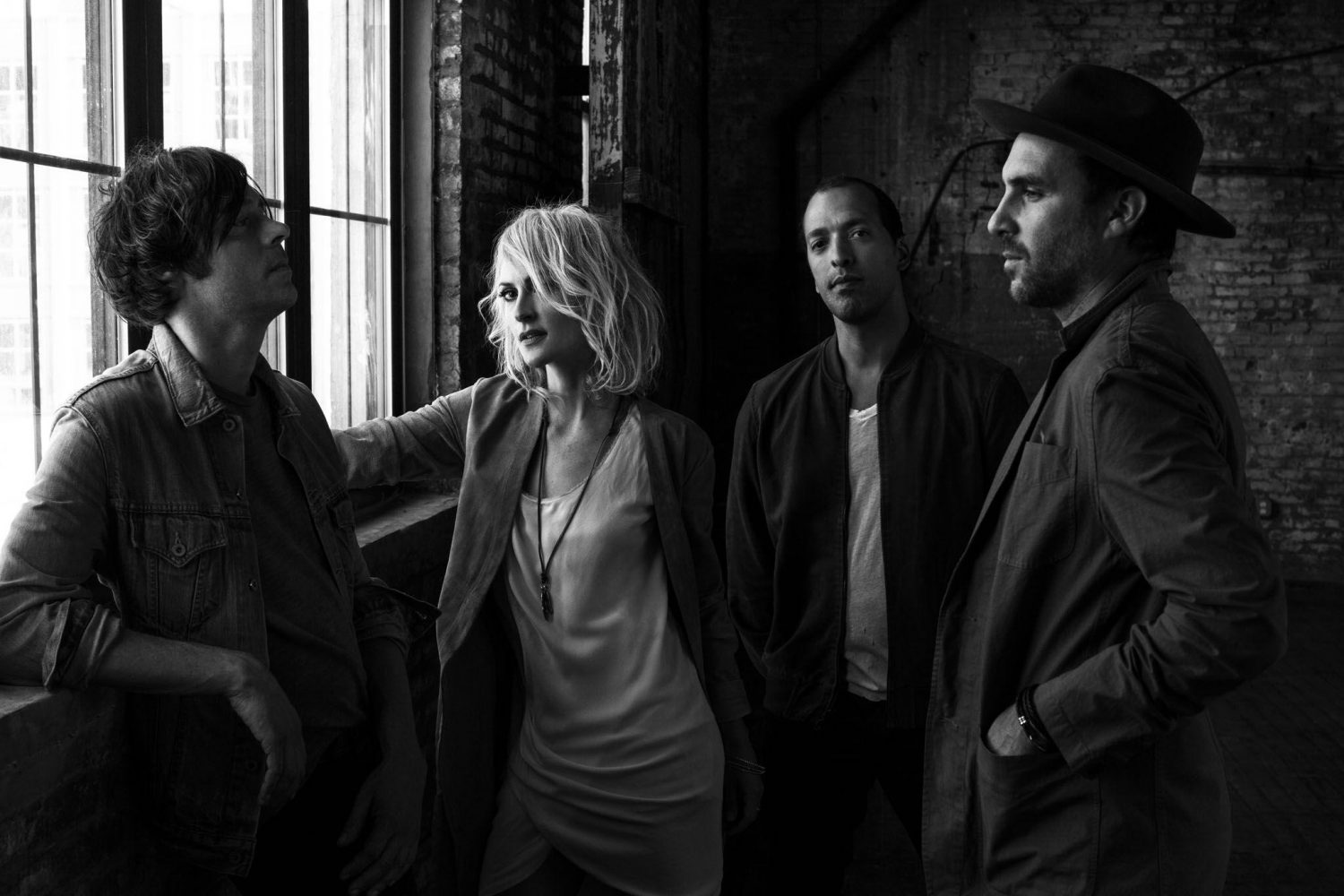 Metric's Saturday 'No' Sun