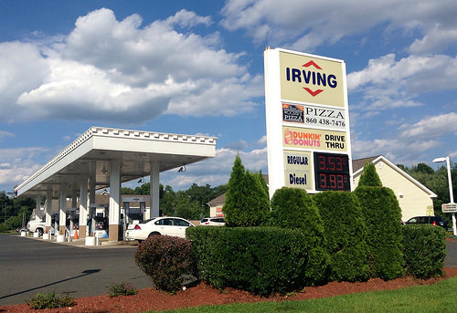 Four Ways to Save on Gas Over Memorial Day Weekend