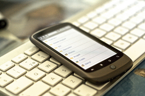 Four Tips for Replying to Emails on Your Phone