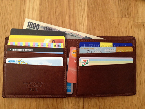Six Things You Should Never Keep in Your Wallet