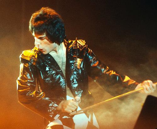 Queens' Bohemian Rhapsody, Full Trailer!