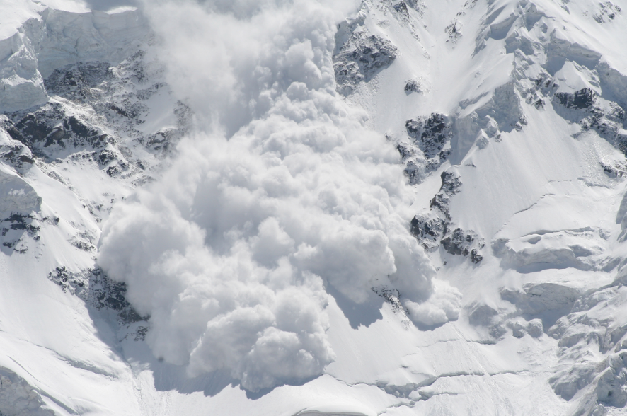 Special avalanche warning issued through the long weekend