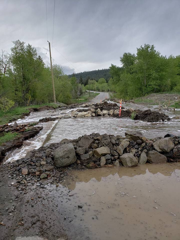 Stranded: About 10 households cut off by Barnes Lake Road washout near Ashcroft