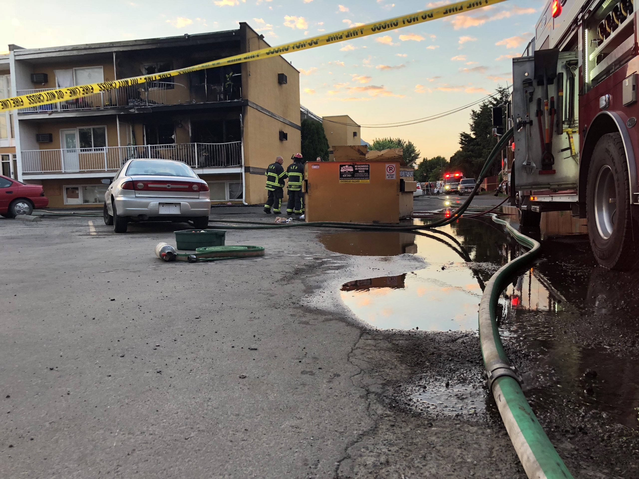 Early morning fire destroys at least two apartments, damages others