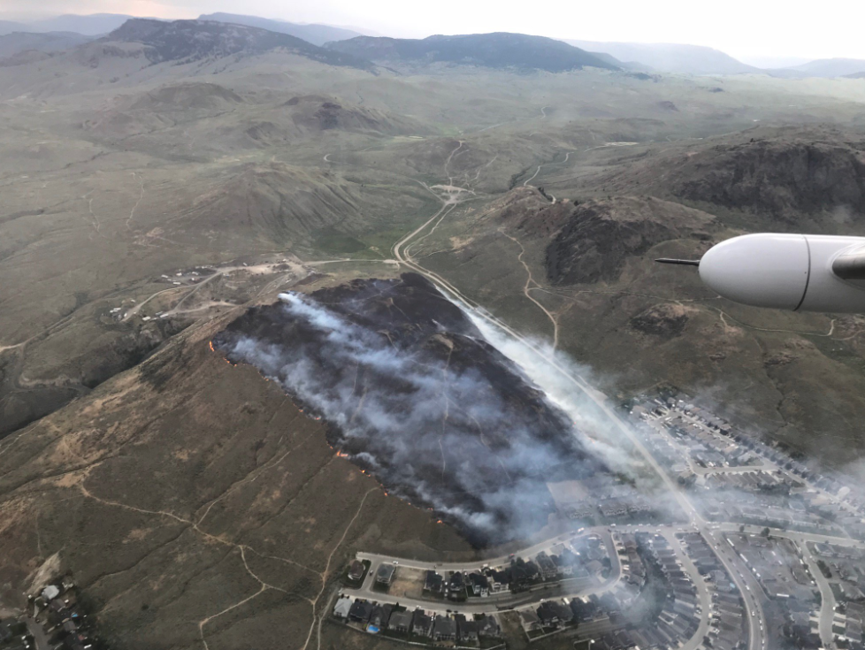 Updated - Close call as a wildfire breaks out above Batchelor Heights
