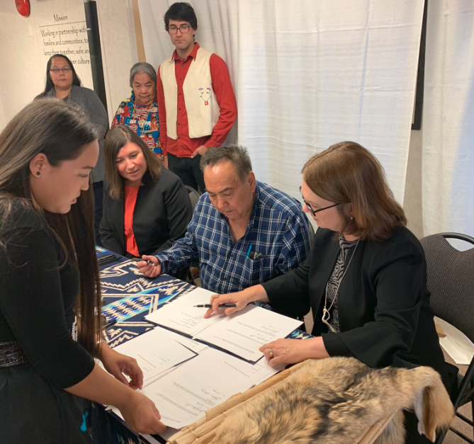 Historic MOU signed in Kamloops between Ottawa and the Shuswap Nation