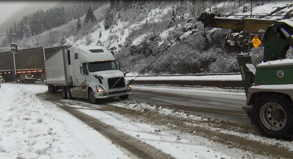 BC Truckers Association welcoming stricter commercial truck regulations for winter driving