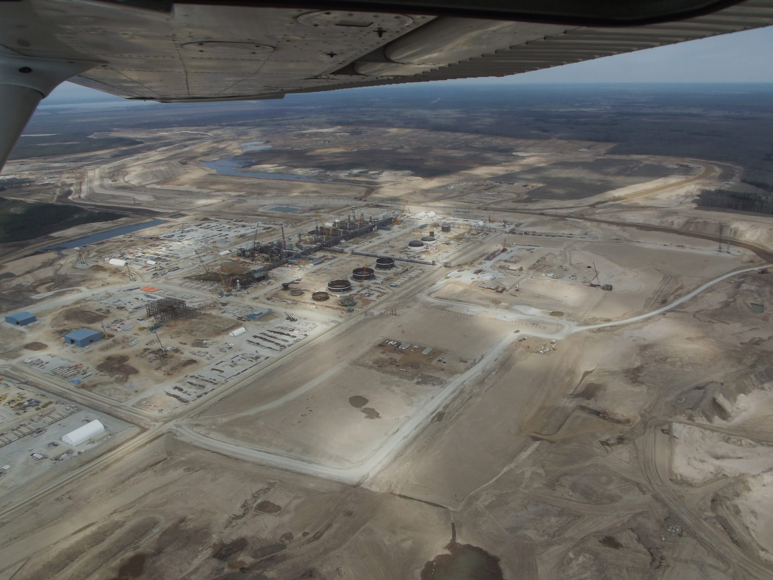 Outbreak at Alberta oilsands work camp prompts warning from Interior Health