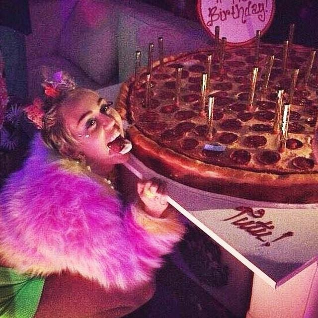 Did somebody say Pizza Cake?! - #ShortBuzzz