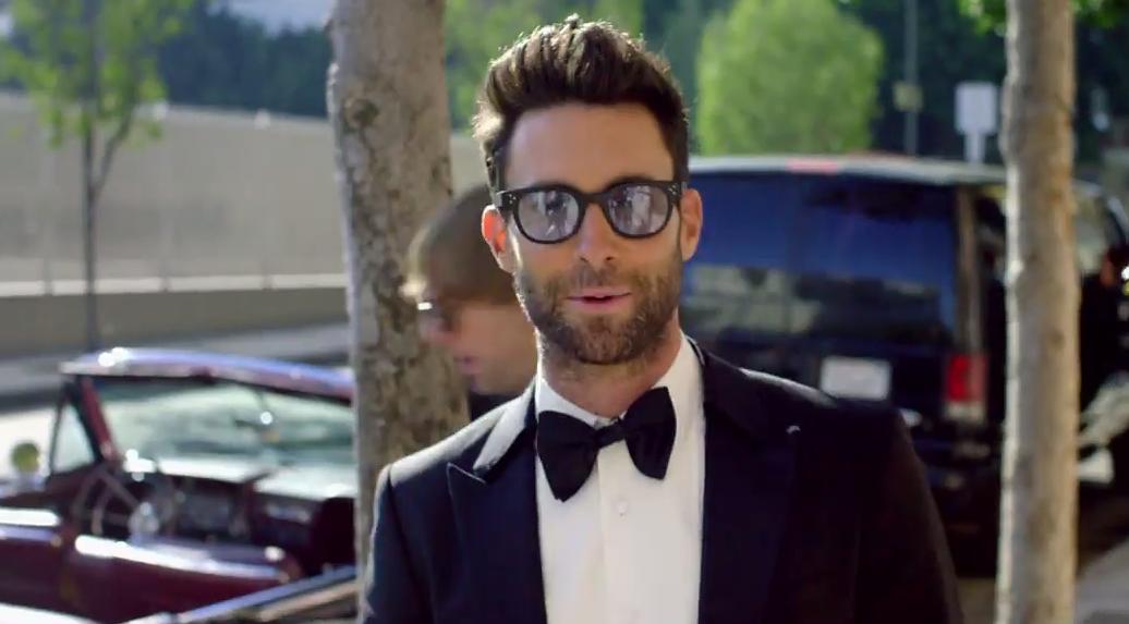 Maroon 5, Bradley Cooper & Kelly Clarkson #ShortBuzzz