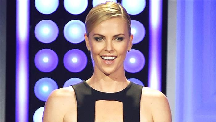 Charlize, Ashlee, Snoop and Facebook #ShortBuzzz