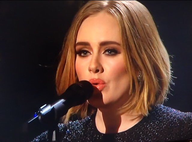 Adele, Ed, Taylor, Movies #ShortBuzzz