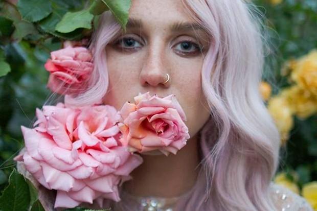 Kesha, Gwen, RD Music Awards #ShortBuzzz