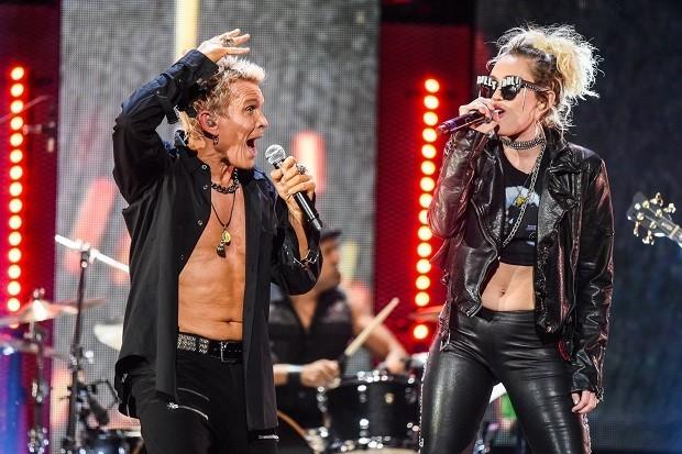 iHeart Miley & 21 Pilots #ShortBuzzz