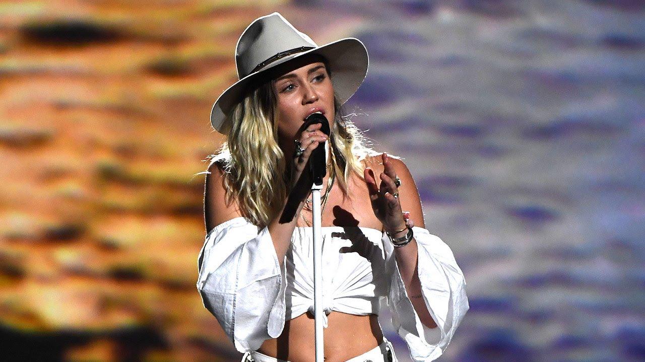 Miley, Liam #ShortBuzzz