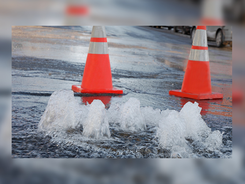 Watermain Break on Clarence Avenue