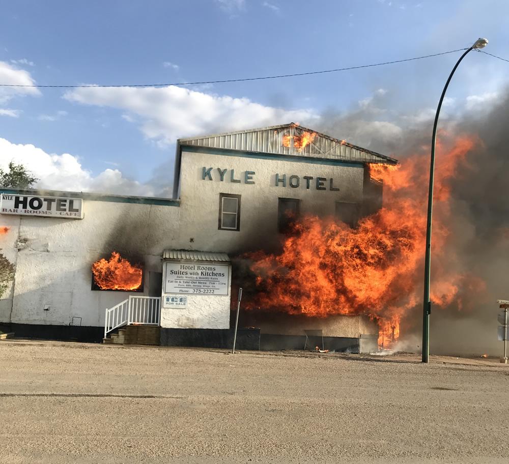 Blaze Rips Through Kyle Hotel