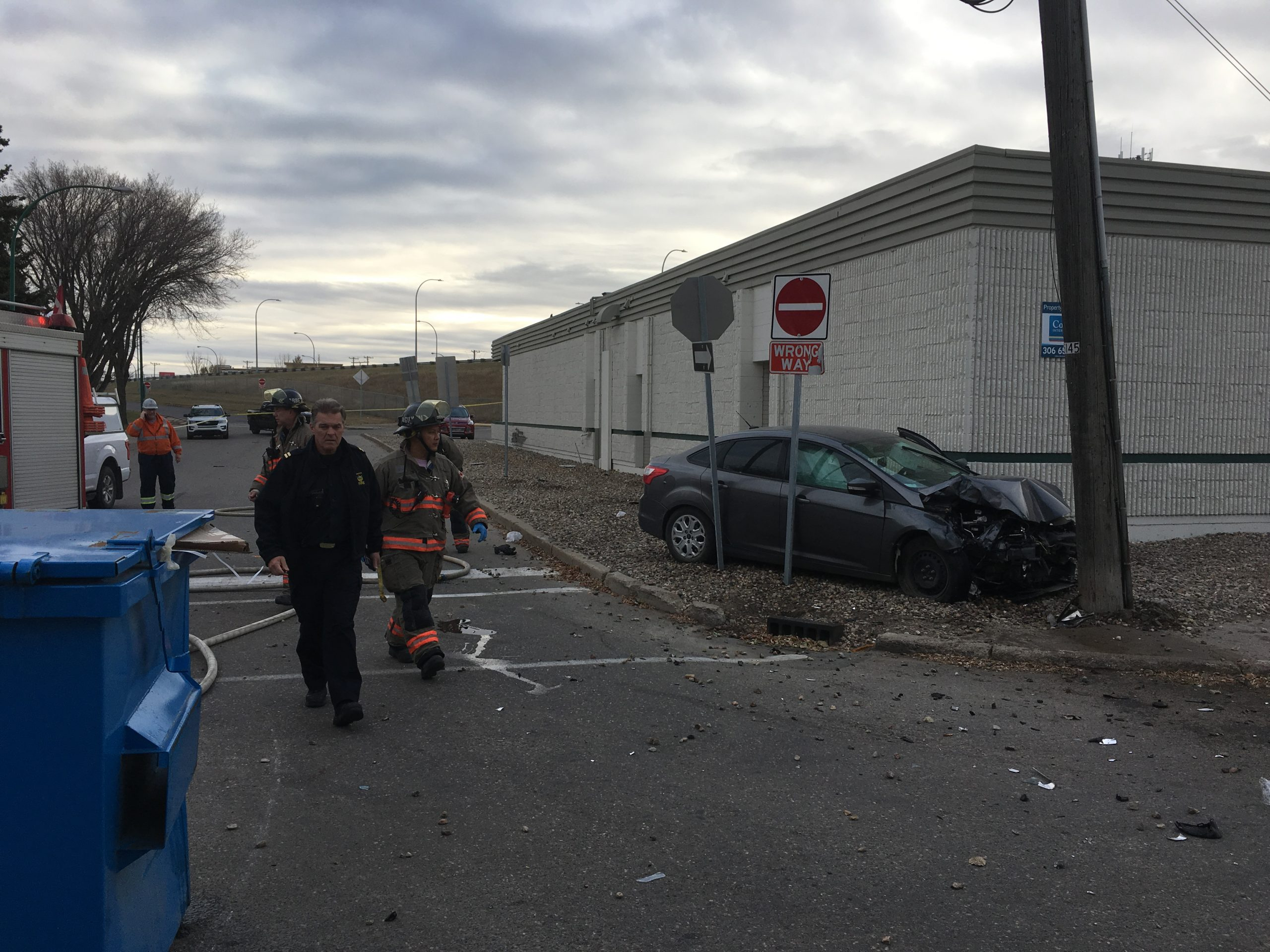 Vehicle Severs Natural Gas Line
